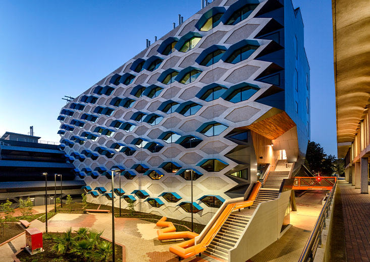 Outside view of La Trobe's Institute for Molecular Science building.